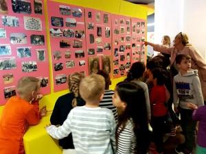 Idjeca su zanimanjem pogledala izložbu